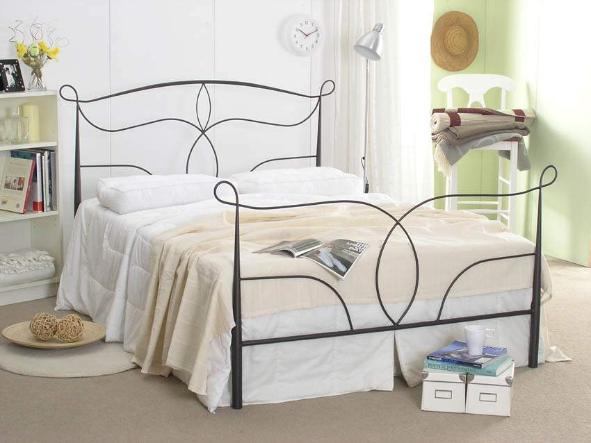5ft King size Black finish Traditional Metal Bed frame